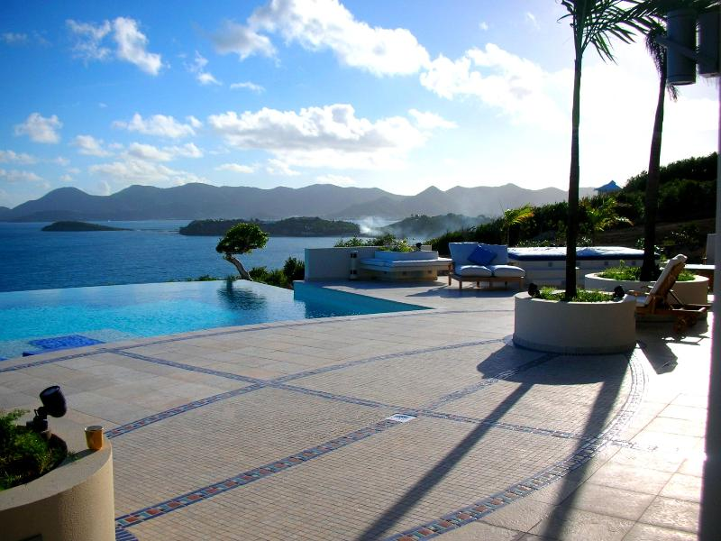 Mes Amis, Terres Basses, St Martin - MES AMIS...Spectacular Ultra Deluxe cliffside masterpiece! Breathtaking views - Baie Rouge - rentals