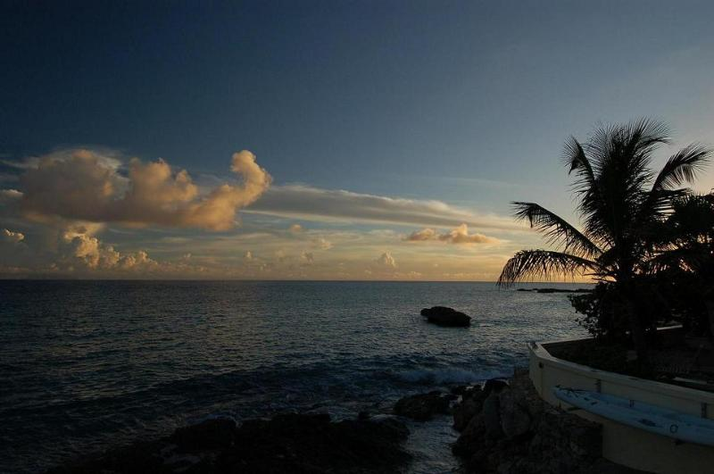 FAJA LOBIE... Great rates for a beachfront villa on Bourgeaux Bay beach, walk - Image 1 - Saint Martin-Sint Maarten - rentals