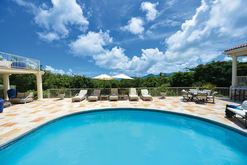 Maison De Reve... Terres Basses, St Martin 800 480 8555 - MAISON DE REVE...6 master suites, fantastic outdoor living, walk to beautiful beach...great outdoor living space - Baie Rouge - rentals