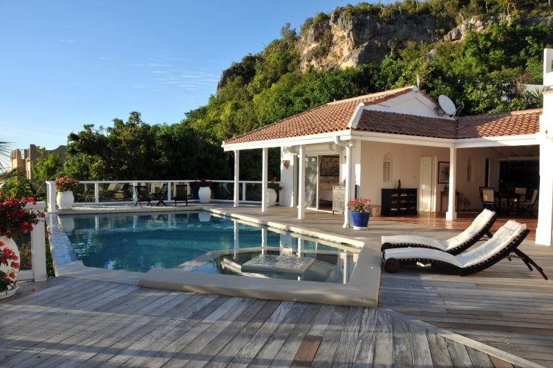 Villa St Tropez, Pelican Key, St Maarten - ST TROPEZ... amazing views of Heineken Regatta from this beautiful villa in - Pelican Key - rentals