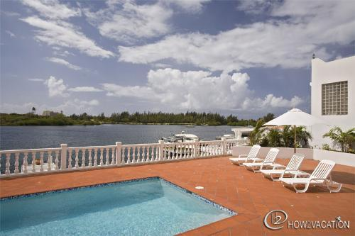 Villa d'Aquario...Point Pirouette, St. Maarten - D'AQUARIO....located in Point Pirouette, St. Maarten's most exclusive gated community - Saint Martin-Sint Maarten - rentals