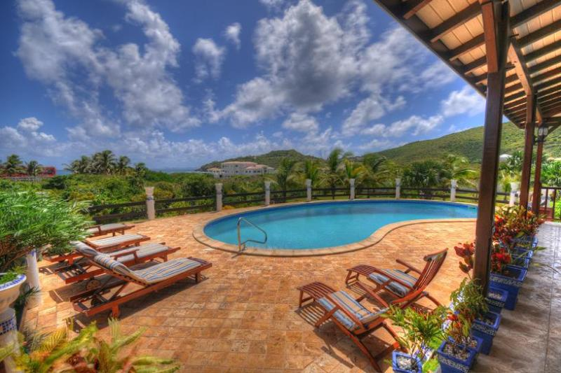 Mahogany... Guana Bay, St Maarten 800-480-8555 - MAHOGANY... a great family villa in a quiet location with only 222 easy steps to a wonderful beach! - Guana Bay - rentals