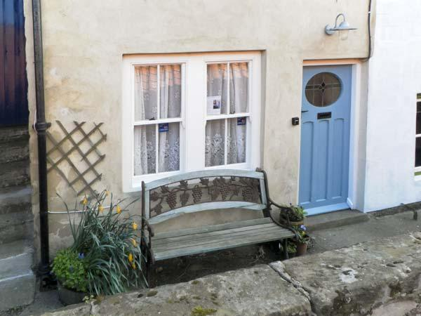 WAYCOT COTTAGE, pet friendly, character holiday cottage in Staithes, Ref 5594 - Image 1 - Staithes - rentals