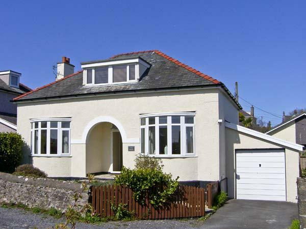 THE NOOK , pet friendly, with a garden in Benllech, Ref 5434 - Image 1 - Benllech - rentals