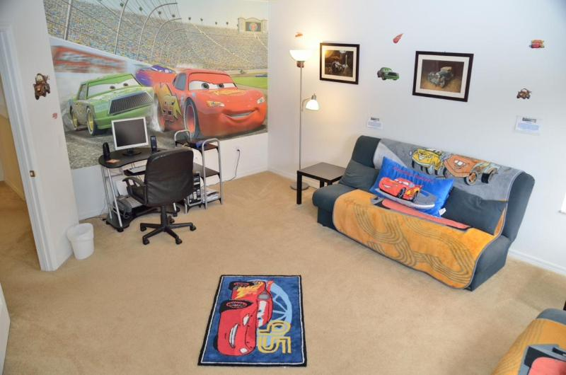 Cars Den with 2 Full sized Futons and AC High Speed WiFi - Palm View Villa 5+ Bed, 3xKing Master 2xTwin + Den - Davenport - rentals