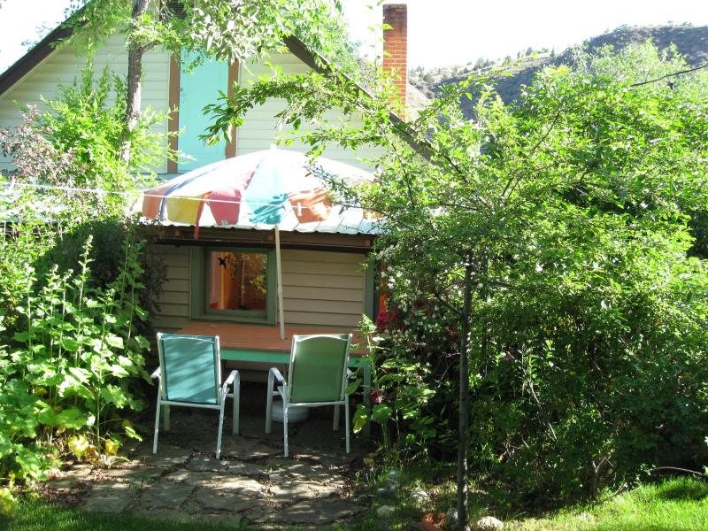 Welcome To The Painted Hills Cottage - Unique European Cottage - Oasis in Eastern Oregon - Mitchell - rentals