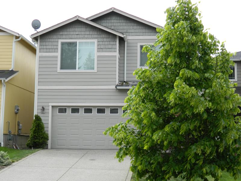 front of home - TACOMA/PUYALLUP/PUGET SOUND VACATION RENTAL HOME - Puyallup - rentals