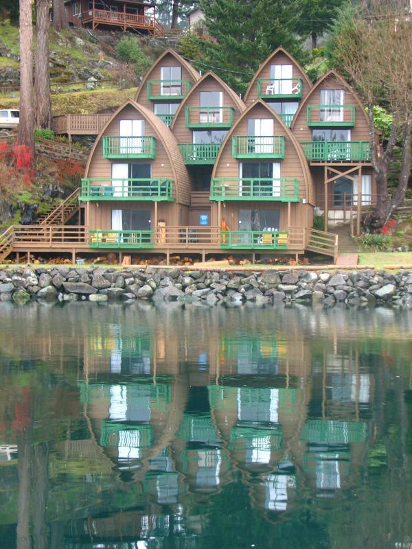 Chalets - Waterfront - Seascape Waterfront Resort - Quadra Island - rentals