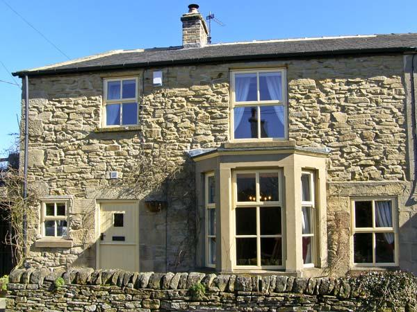 WAYSIDE COTTAGE, pet friendly, character holiday cottage, with open fire in Edmundbyers, Ref 6736 - Image 1 - Consett - rentals