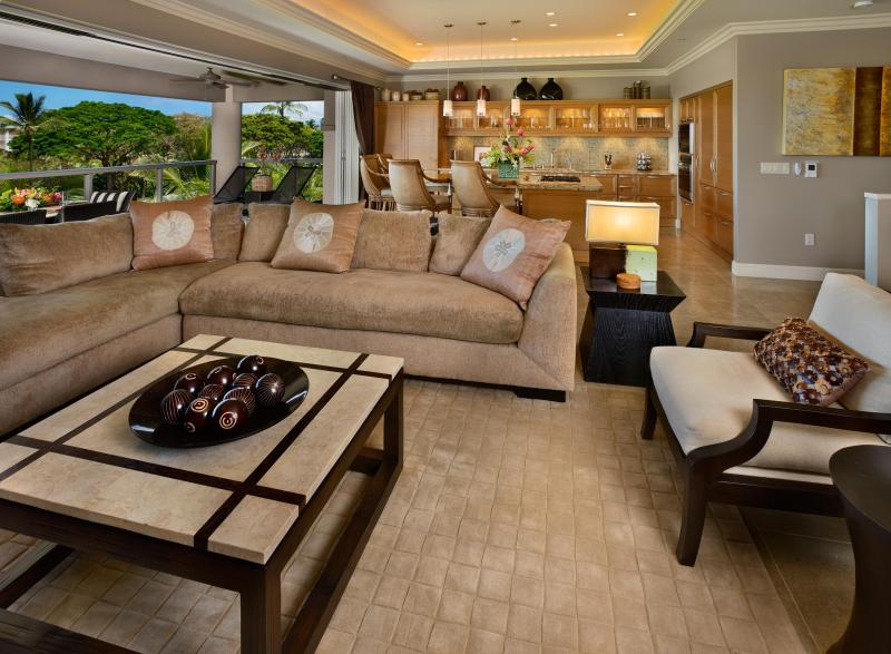 Hoku at Ho'olei - spacious and comfortable living area with open floor plan and Kreiss furnishings - Hoku at Ho'olei -  Grand Wailea Resort Privileges - Wailea - rentals