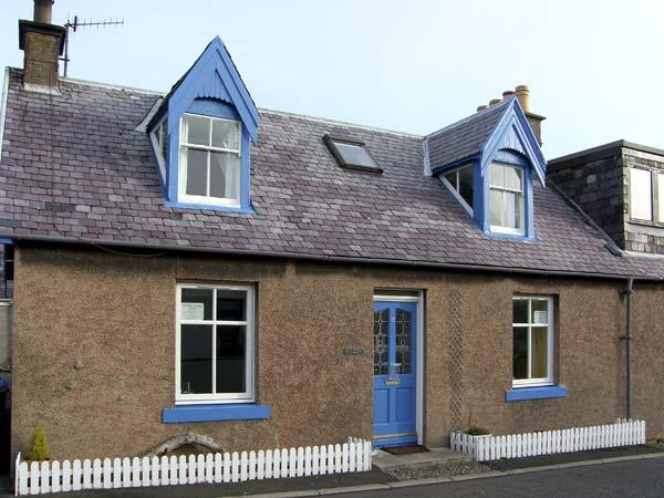 ROCKLYN, family friendly in St. Abbs, Ref 5378 - Image 1 - Saint Abbs - rentals