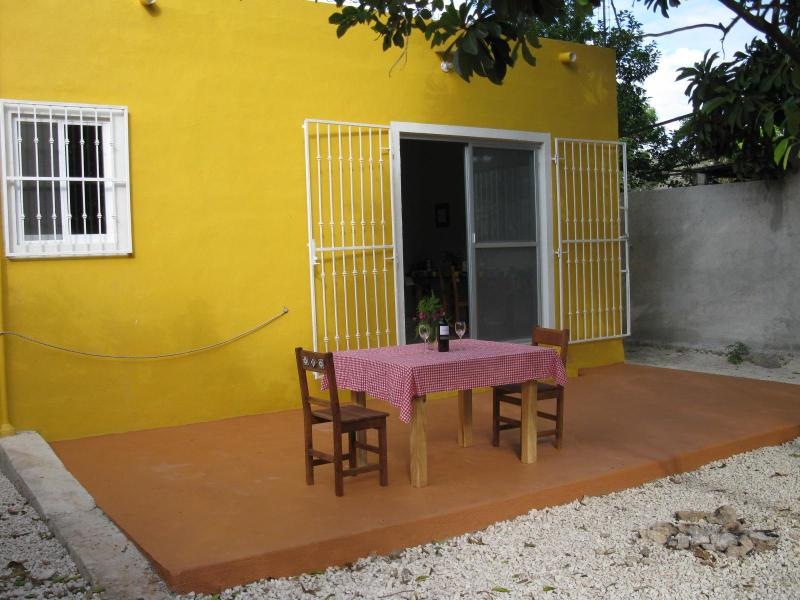 back garden with stone wall - Nice house in Izamal Yucatan Mexico - Izamal - rentals