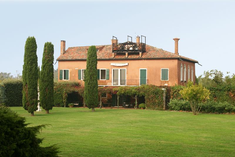 Beautiful Unique Villa on the Island of Torcello Near Venice - Villa Cipriani - Image 1 - Torcello - rentals