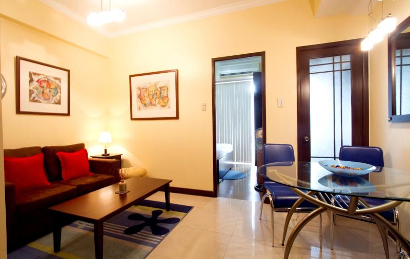 Living area - Fully Furnished Condo in the heart of Manila - Manila - rentals