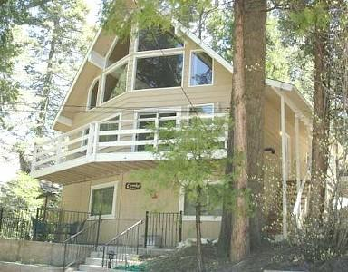 Warm Sunny Summers - 3 Minute Walk to Lake - Beautiful, Clean & Bright 3 Bdrm Chalet & 6 minutes to the new Santa's Village! - Lake Arrowhead - rentals