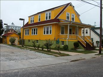 Comfortable 5 Bedroom, 3 Bathroom House in Cape May (Stockton 18 5905) - Image 1 - Cape May - rentals