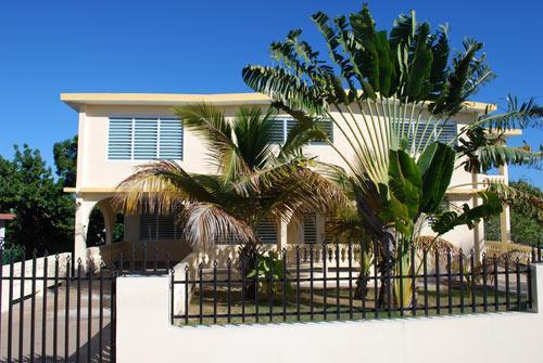 front view from street - Casa Piedra Grande - Vieques - rentals
