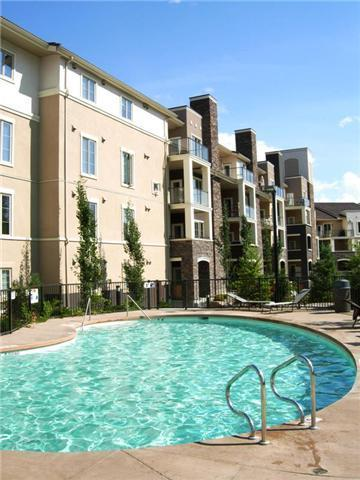 Heated pool - Luxury Golf Course Condo in Sunny Kelowna! - Kelowna - rentals