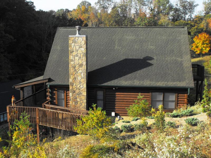 Side view of 'Our Corner of the Smokies' - Come Celebrate the Smokies Free Wi-Fi,  Book Now! - Sevierville - rentals