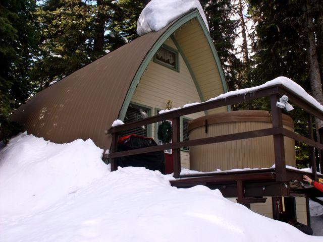 The Maple Leaf Chalet - Image 1 - Silver Star Mountain - rentals