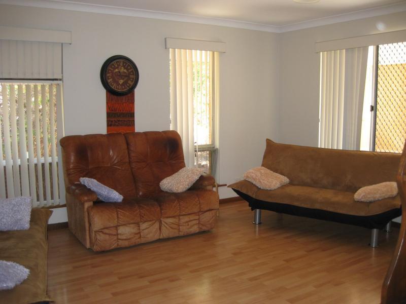 Living area - Victoria Park Hideaway - Perth, Western Australia - Perth - rentals