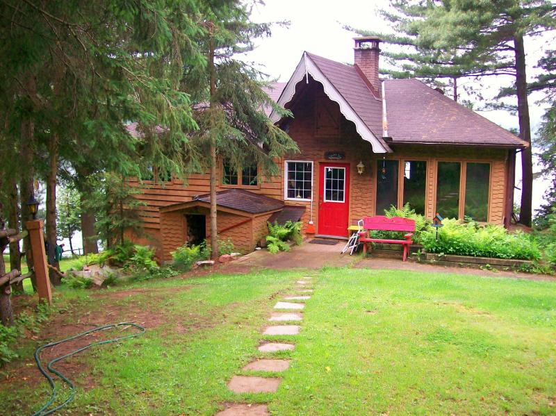 Booth Lane - 3 bedroom 4 season cottage - Booth Lane - 3 Bedroom 4 Season Cottage - Bancroft - rentals