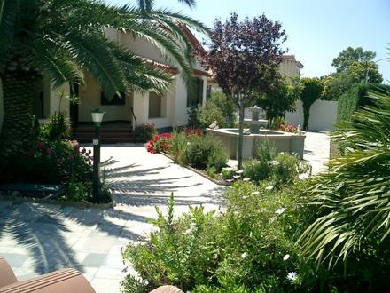 Front of Villa - 1 bedroom apartment close to best beaches in world - Pula - rentals