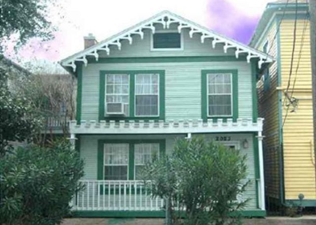 "Set your clock for ""Island Time"" in this historic home in Galveston. - Image 1 - Galveston - rentals"