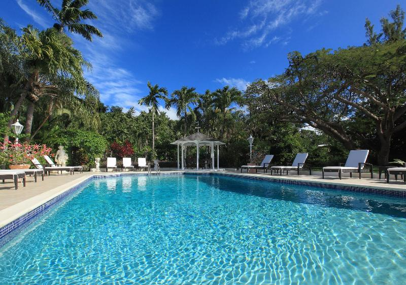 Large pool with sun loungers and gazebo at Vistamar Villa Barbados - Vistamar Villa on Sandy Lane Estate, Barbados - Barbados - rentals