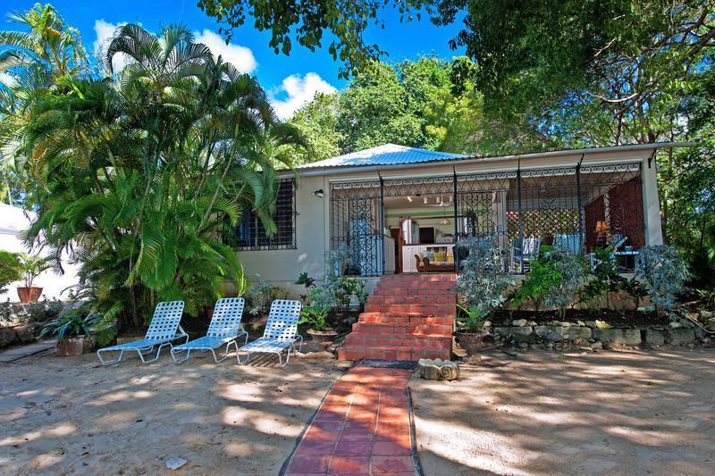 Whitecaps on the beach - Whimsical family beach house, Mullins Beach, cook - Saint Peter - rentals