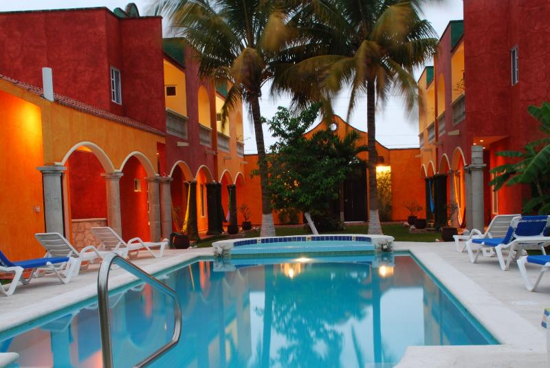 The warmth of Casa Colonial at night. - Casa Colonial; Price, value, AC, WiFi, and more! - Cozumel - rentals