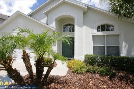 Palm Trees and Sunshine at this Beautiful 4 Bed/3 Bath Resort Pool Home - 42125 - Kissimmee - rentals