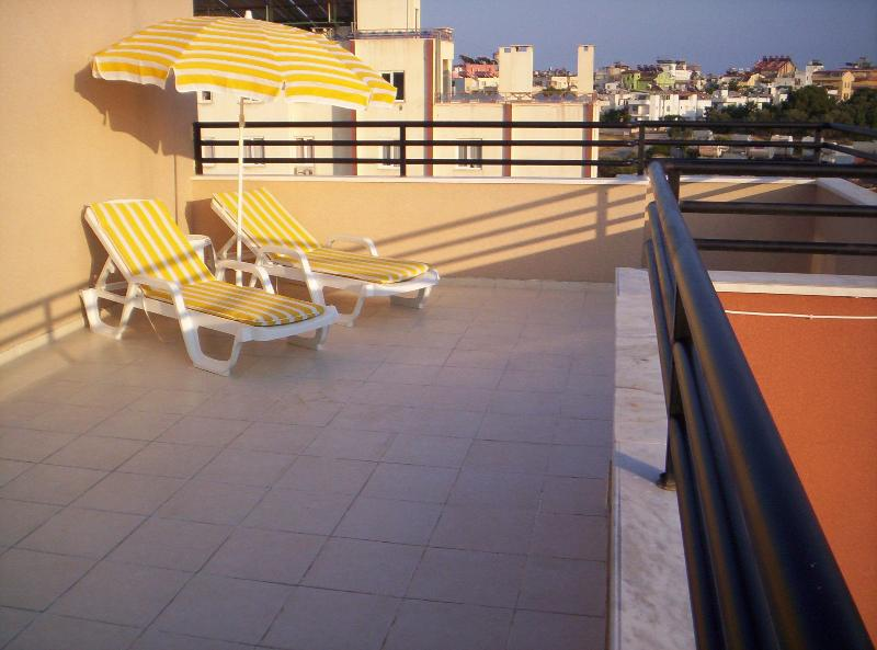 Sun Terrace - Spacious 2 Bed Duplex Apartment close to beach - Altinkum - rentals