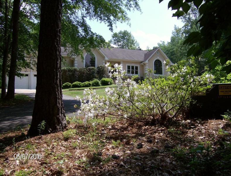 Front View - Chattahoochee River Estate - 15 min. from airport - Atlanta - rentals