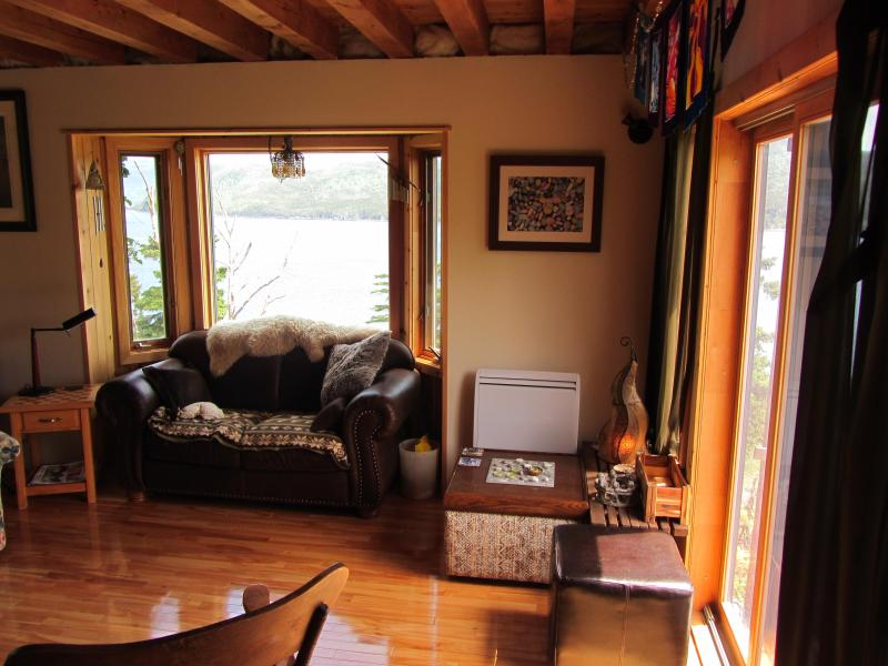 Emmashill - the house that made itself - Emmashill Bonne Bay House - Woody Point - rentals