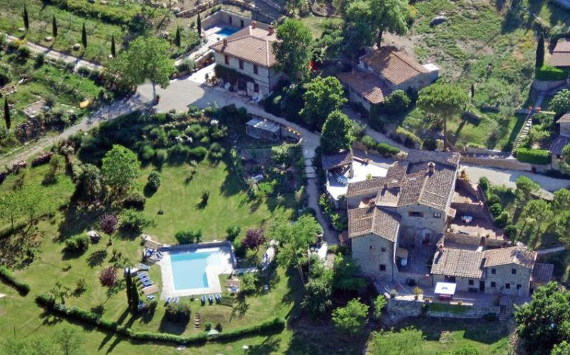 total view of guest houses of Poderi Val Verde - 2 apt. -  2BR/2BA on eco farm near  Siena/Florence - Castellina In Chianti - rentals