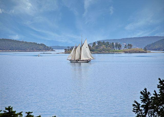 WATERFRONT! Views of San Juan Channel - 5 minutes from Downtown Friday Harbor - Image 1 - Friday Harbor - rentals
