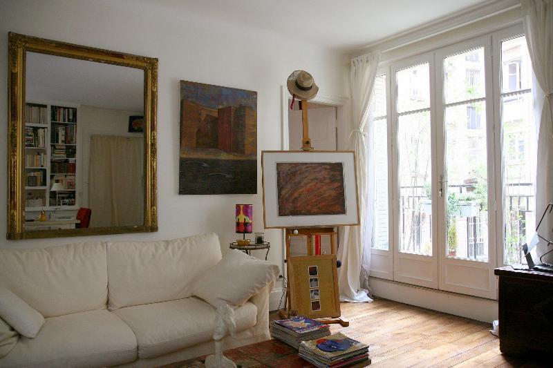 Beautiful Condo with 1 BR & 1 BA in Paris Montmart - Image 1 - Paris - rentals
