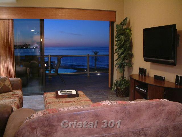 Family Room with Fantastic View of Pools and Ocean - Las Palomas Cristal 301 Luxury 3 Bed Oceanfront - Puerto Penasco - rentals