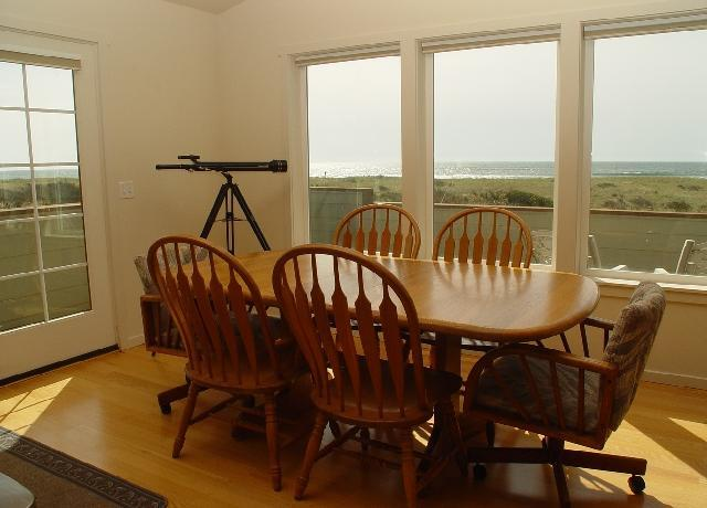 Time to eat ? check out the view   with only sand dunes to sand and water - VIEW Westports  LARGE CLEAN HOUSE  close to shore - Westport - rentals