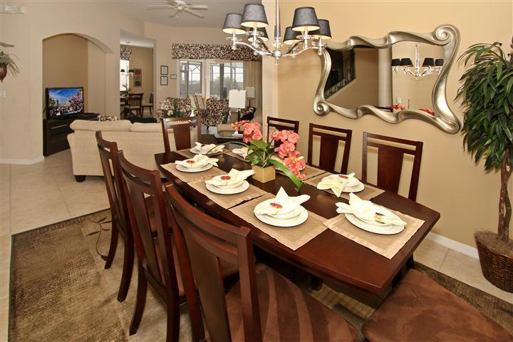 Dining room - Designer's Model: 5BR/3 Masters/Pool/Man-gated community - Orlando - rentals