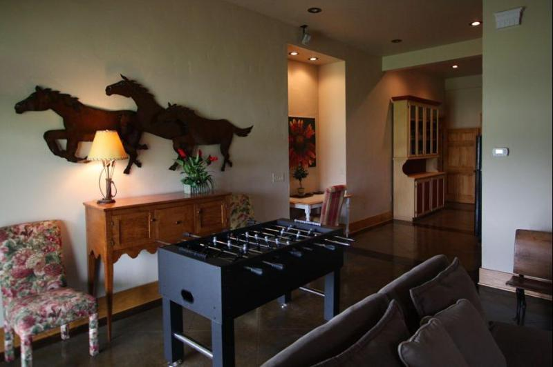 2nd living room with foosball table - Eagle Crest Lodge - Abingdon - rentals