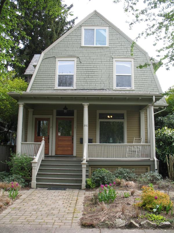 Street front - Portland vacation rental, Elegant & Affordable - Portland - rentals