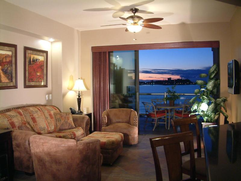 Inviting Living Room with Awesome Views - Las Palomas Cristal 802 Luxury 1 Bed Oceanfront - Puerto Penasco - rentals