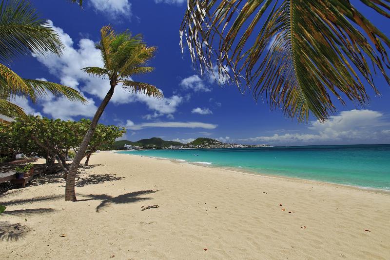 Coco's Beach Club #6, Simpson Bay beach, St Maarten 2BR; - COCO BEACH CLUB 6...walk right out onto the beach at Simpson Bay - Simpson Bay - rentals