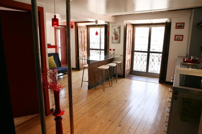 Apartment in Lisbon 65 - Baixa - managed by travelingtolisbon - Image 1 - Lisbon - rentals