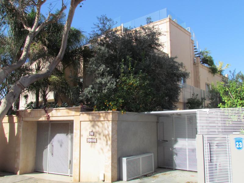 front view - Vila Anat, sea view and pool in herzelia pituach - Herzlia - rentals