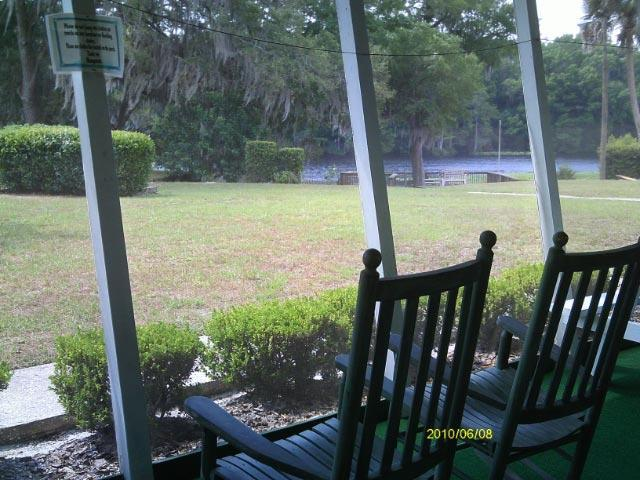 Villa Screened in Porch View - The Rainbow Rivers Club Villas - Dunnellon - rentals