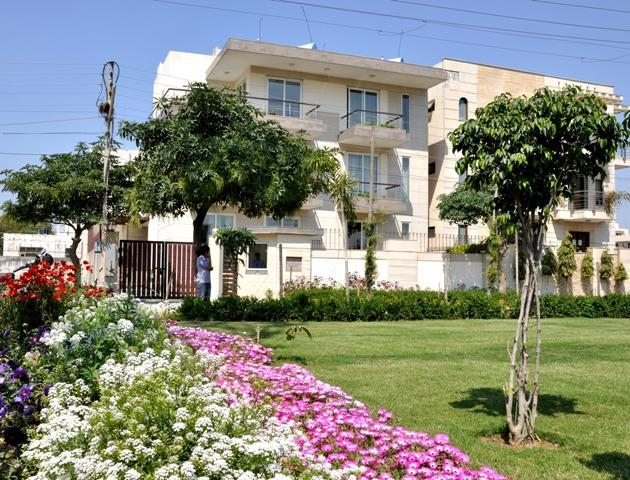 Outside garden - 1 BHK Apartments @ Perch Service Apartment - Gurgaon - rentals