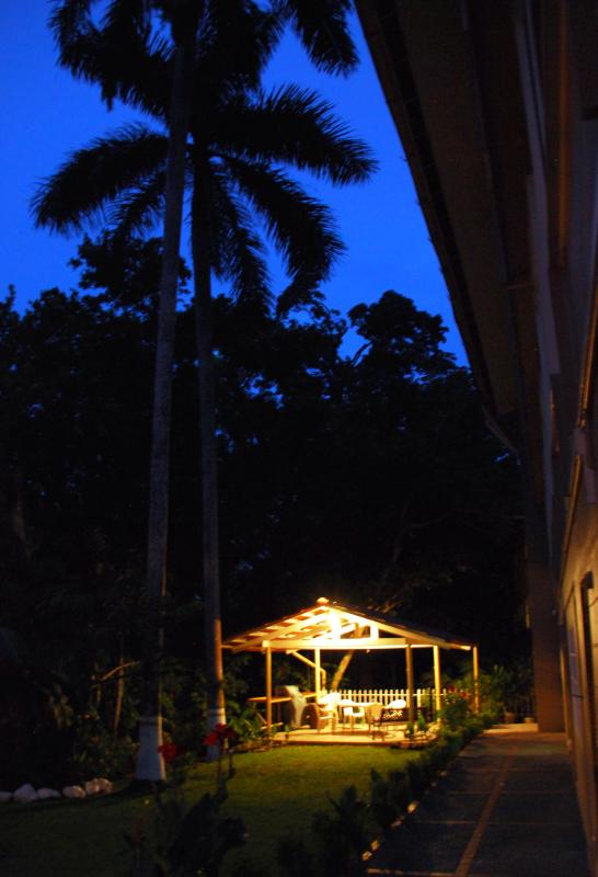 Back yard at dusk, with the gazebo ready for fun. - 25% off April, 4 BR 3 ba in gorgeous National Park - Panama City - rentals